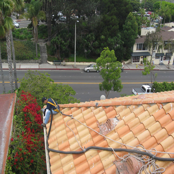 Rain Gutter Cleaning Commerical Property